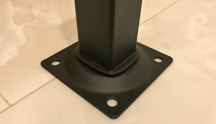 光 家具用角脚(1本) 黒 25×25×200mm